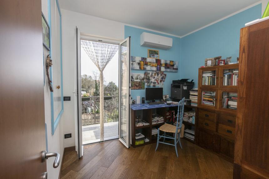 Appartamento su due piani a Cogoleto - Camera studio