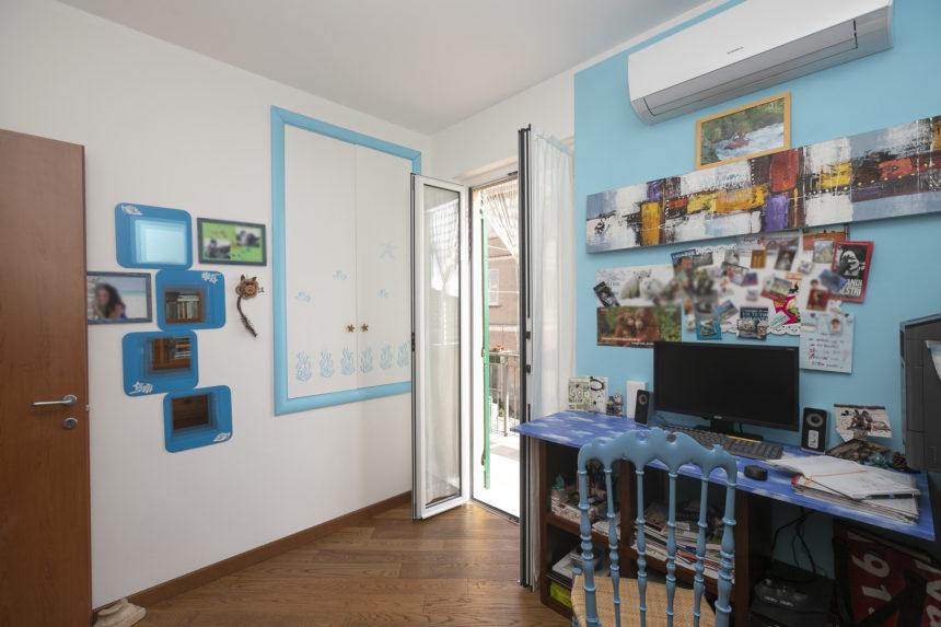 Appartamento su due piani a Cogoleto - Lo split nella camera studio